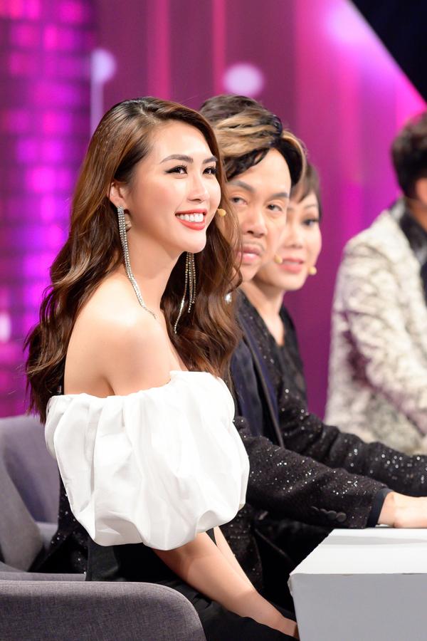 Từng có lúc hoang mang về công việc, cuộc sống, Tường Linh đã lấy lại cân bằng để tích cực hoạt động showbiz. Gần đây cô liên tục làm khách mời trong nhiều sự kiện, gameshow.