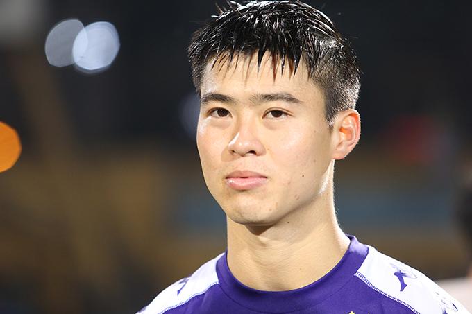 Duy Mạnh là cầu thủ quan trọng ở hàng phòng ngự của Hà Nội. Ảnh: Đương Phạm.