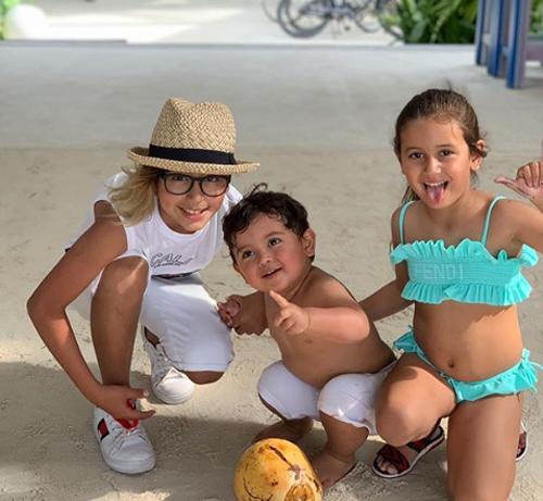 Ba thiên thần nhỏ, kết quả cuộc hôn nhân 10 năm của Vidal và Maria.