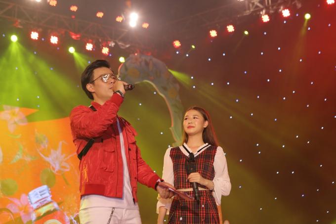 Á hậu Huyền My tham gia Lễ hội ẩm thực - âm nhạc tại Hà Nội - 5