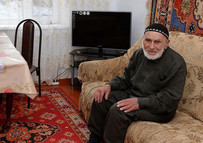 Appaz Iliev trông diện mạo trẻ trung, khỏe mạnh hơn hẳn con số 123 tuổi. Ảnh: