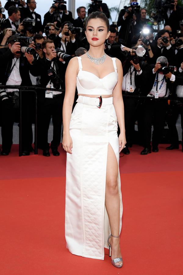 Selena Gomez tới thảm đỏ chiều 14/5 khi bộ phim điện ảnh của cô được trình chiếu đầu tiên trong ngày khai mạc liên hoan phim Cannes 2019.