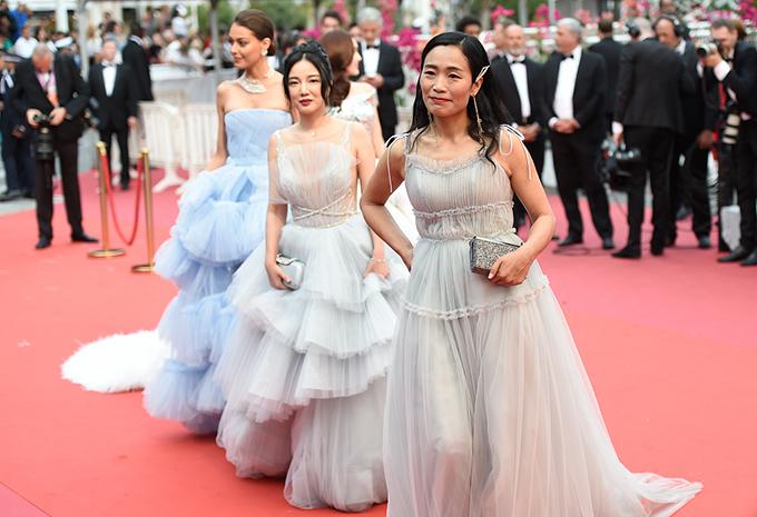 Một gương mặt lạ hoắc người Trung Quốc xuất hiện trên thảm đỏ Cannes.