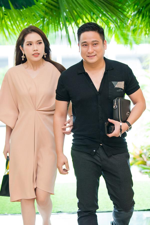 Vợ chồng diễn viên Minh Tiệp sóng đôi