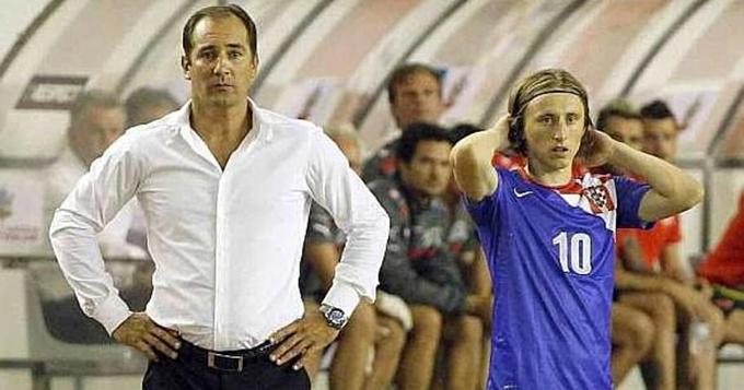 HLV Stimac và Modric ở tuyển Croatia năm 2013.