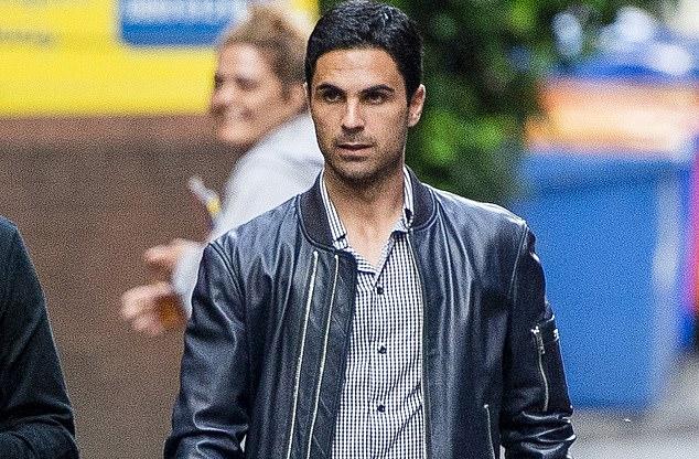 Trợ lý thân tín của Guardiola là Arteta có mặt ở nhà hàng của Mata - đồng hương Tây Ban Nha.