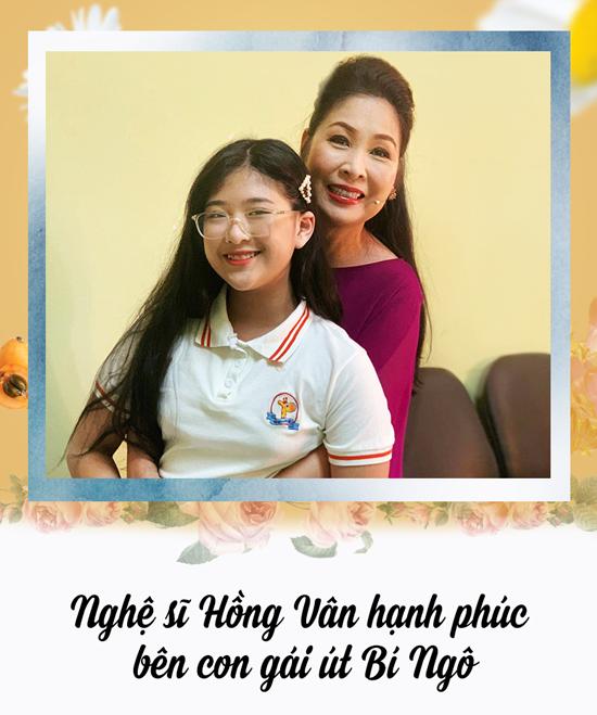 Nghệ sĩ Hồng Vân hạnh phúc bên con gái út Bí Ngô.