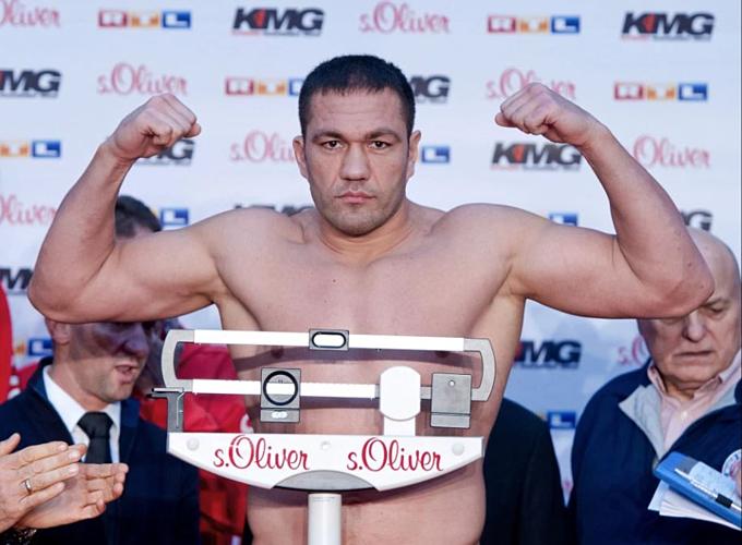Pulev bị cấm thi đấu đến hết tháng Bảy.