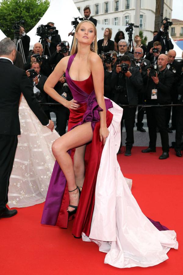 Cô là gương mặt quen thuộc tại mỗi kỳ liên hoan phim Cannes.