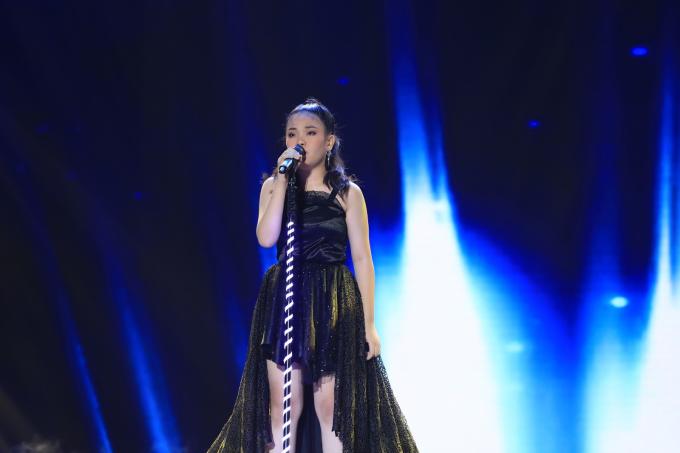 Hòa Minzy bật khóc vì học trò bị chê hát không rõ lời, chọn sai bài - 1