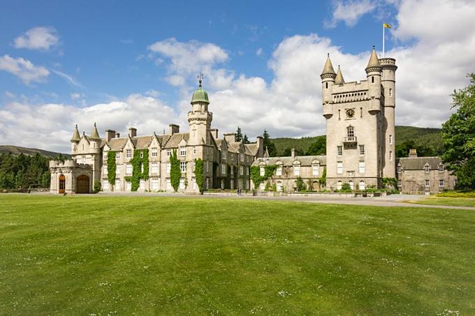 Balmoral - lâu đài nghỉ dưỡng mùa hè của Nữ hoàng Anh và trong số ít lâu đài bà sở hữu vói tư cách cá nhân. Ảnh:UIG.