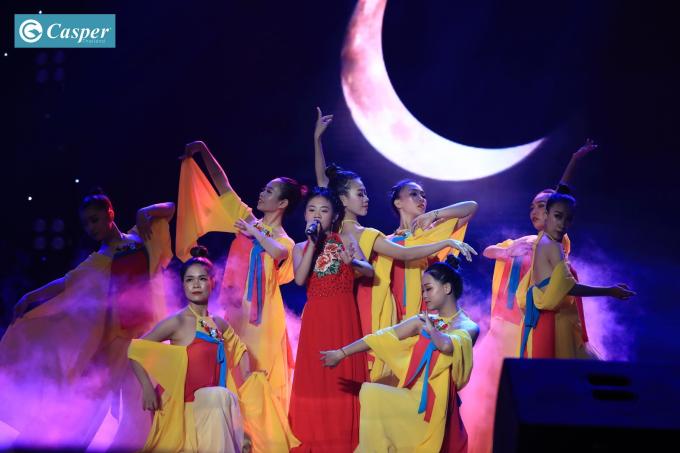 Hòa Minzy bật khóc vì học trò bị chê hát không rõ lời, chọn sai bài - 6