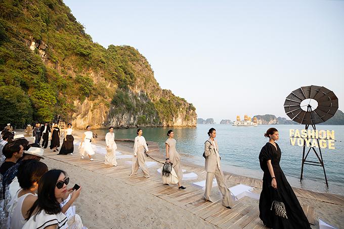 Fashion Voyage là chương trình định kỳ do đạo diễn Long Kan khởi xướng và thực hiện, mỗi show sẽ diễn ra ở một không gian đẹp hùng vĩ, giới thiệu những bộ sưu tập mới nhất dành cho các khách mời là các nhân vật có sức ảnh hưởng của thời trang và truyền tải một thông điệp tích cực cho cộng đồng.