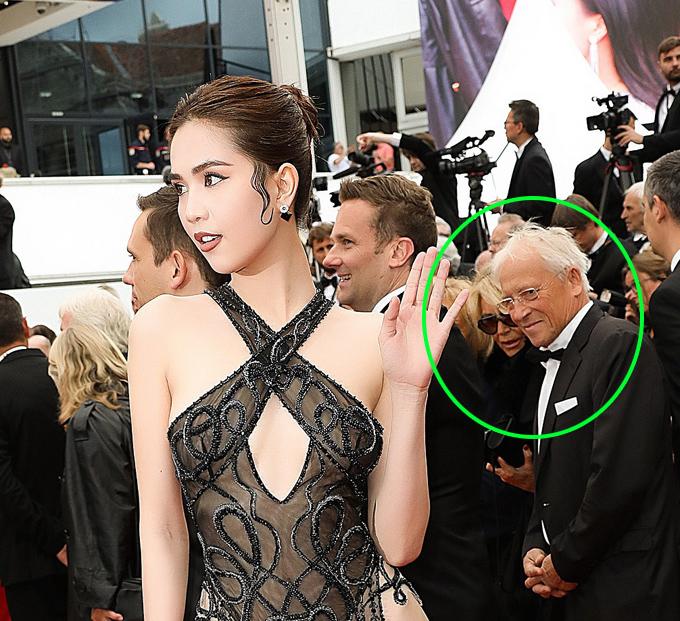 Ngọc Trinh không mặc nội y cả trên lẫn dưới trên thảm đỏ Cannes - 5