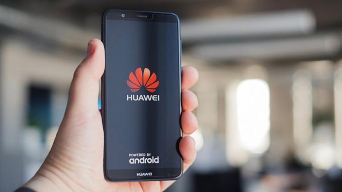 Toàn bộ smartphone Huawei hiện tại chạy Android của Google. Ảnh:Shutterstock.