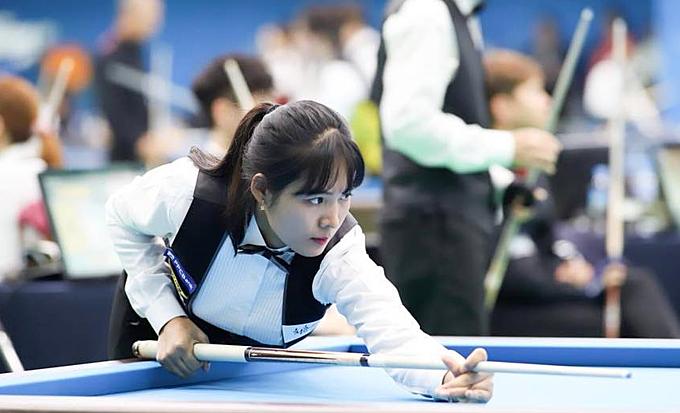 Nữ cơ thủ sinh năm 1990 nổi tiếng ở Hàn Quốc, Campuchia và Việt Nam.