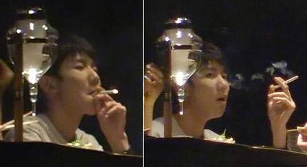 Vương Nguyên hút thuốc một cách sành sỏi.