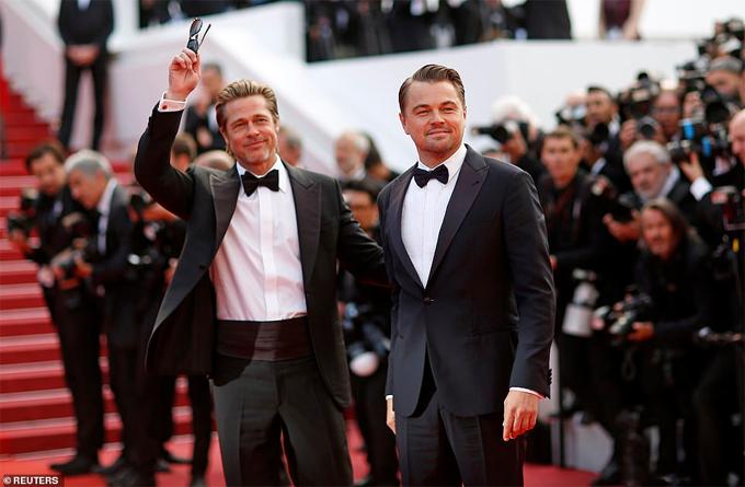 Hai ngôi sao Hollywood rất lãng tử dù đều ở tuổi trung niên và chênh nhau 10 tuổi.