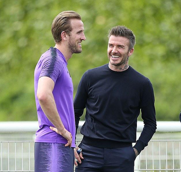 Beckham và Kane có điểm chung là từng làm đội trưởng tuyển Anh. Ảnh: AFP.