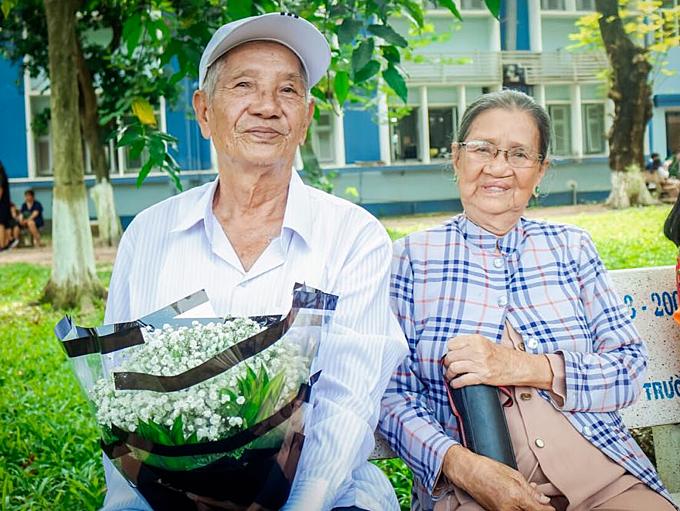 Ông Bích và bà Thuận đã có 62 năm gắn bó tình nghĩa vợ chồng.
