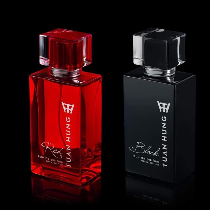Hai dòng nước hoa nam cao cấp là Tuan Hung Black và Tuan Hung Red.