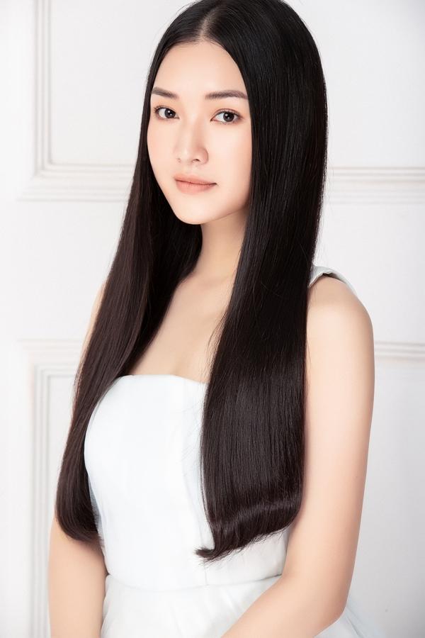 Hiện Ngọc Trân quản lý cửa hàng áo dài , đóng phim và tham gia các chương trình văn hóa. Sắp tới, cô tham dự Tuần lễ Asean 2019 tổ chức tại Seoul – Hàn Quốc.