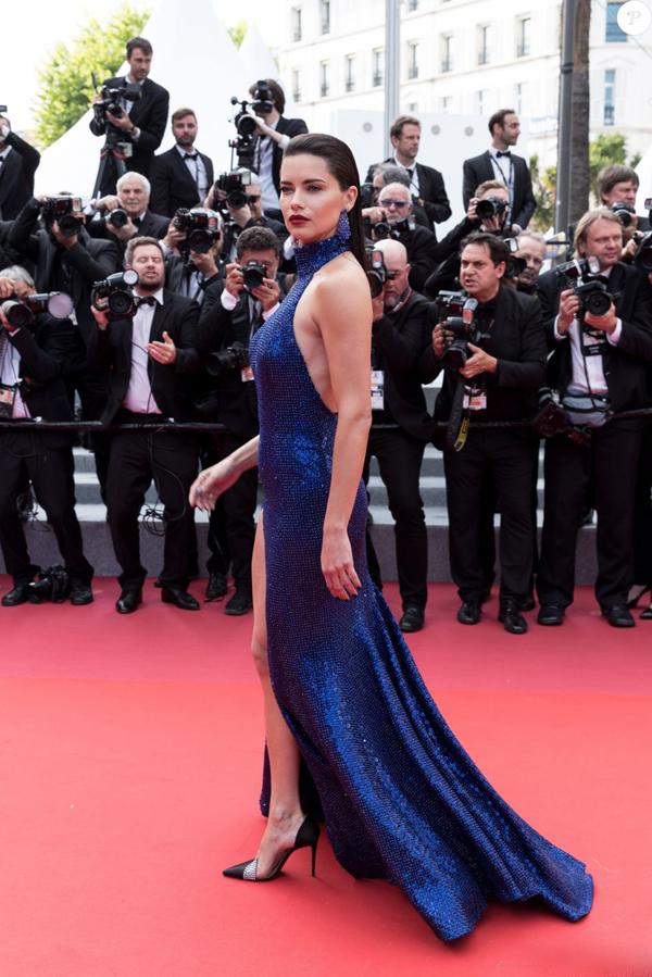 Cannes ngày 22/5 thu hút nhiều mỹ nhân khác tới thảm đỏ như cựu thiên thần nội y Adriana Lima.