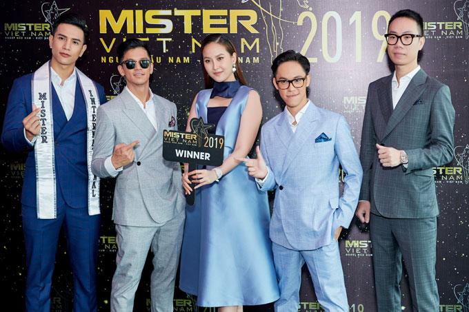 đội huấn luyện Winner gồm Quán quân Vietnam Idol - Trọng Hiếu, Miss Globe - Khánh Ngân, Mister International - Trịnh Bảo, nhiếp ảnh gia Quang Khuê, nhà thiết kế Tú Đỗ.