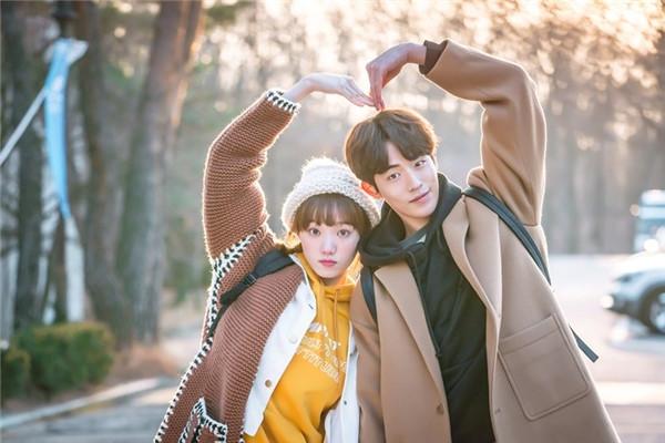 Những cặp đôi gây sốt với phản ứng hóa học của phim Hàn - 7
