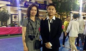 Ảnh sao 23/5: Con trai nhạc sĩ Trần Lập đã cao hơn mẹ