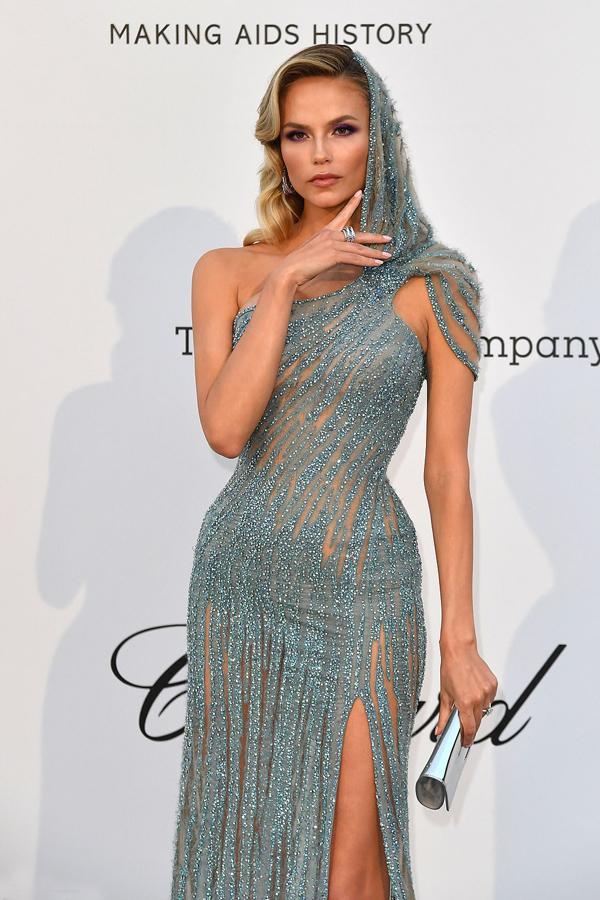 Siêu mẫu Nga Natasha Poly.