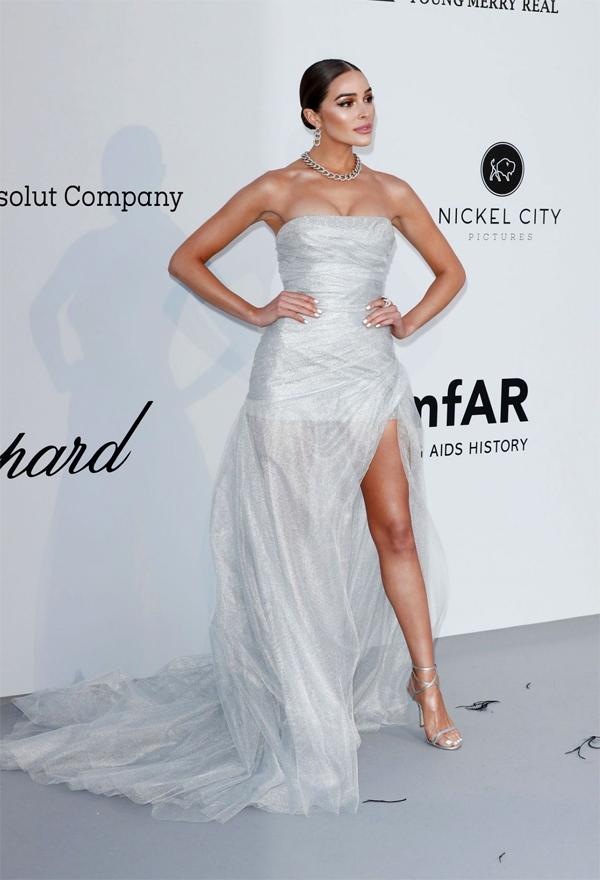 Hoa hậu Hoàn vũ 2012 Olivia Culpo khoe đường cong nóng bỏng.