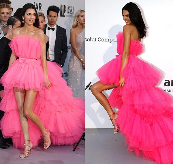 Kendall như thiên nga trên thảm đỏ. Cô là một trong những người sở hữu đôi chân đẹp nhất làng mẫu thế giới.