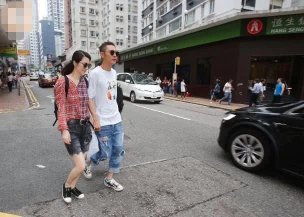 Vợ chồng Trương Đan Phong tay trong tay sau scandal ngoại tình - 3