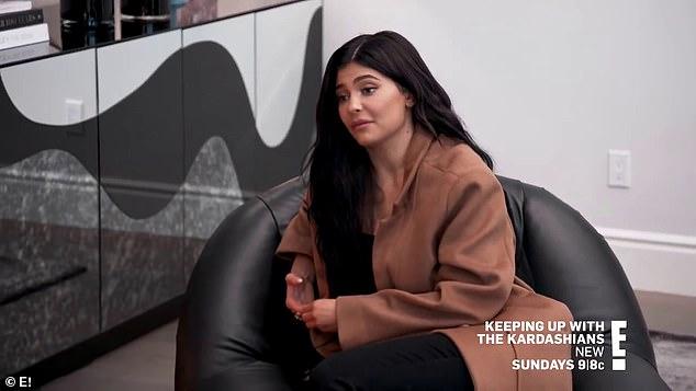 Kylie Jenner sầu não khi nói về scandal tình ái của bạn thân.