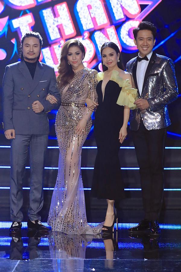 Bốn giám khảo của chương trình: đạo diễn Hoàng Nhật Nam, ca sĩ Minh Tuyết, ca sĩ Cẩm Ly, nghệ sĩ Trấn Thành (từ trái qua).
