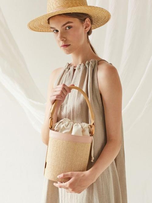 Túi mùa hè kiểu dáng mô phỏng chiếc xô cho bạn gái yêu thích các kiểu phụ kiện xinh xắn và đúng mùa.