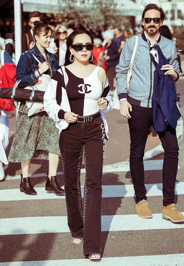Phượng Chanel mang nhiều trang phục, phụ kiện hàng hiệu đi Pháp.