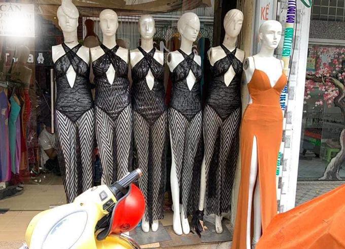 Trang phục Ngọc Trinh sử dụng tại Cannes làm nảy sinh ý kiến trái chiều. Trong đó không ít khán giả chỉ trích nặng lời, tuy nhiên Đỗ Long vô cùng bất ngờ khi sản phẩm của anh bị nhiều tiệm may copy với số lượng lớn.
