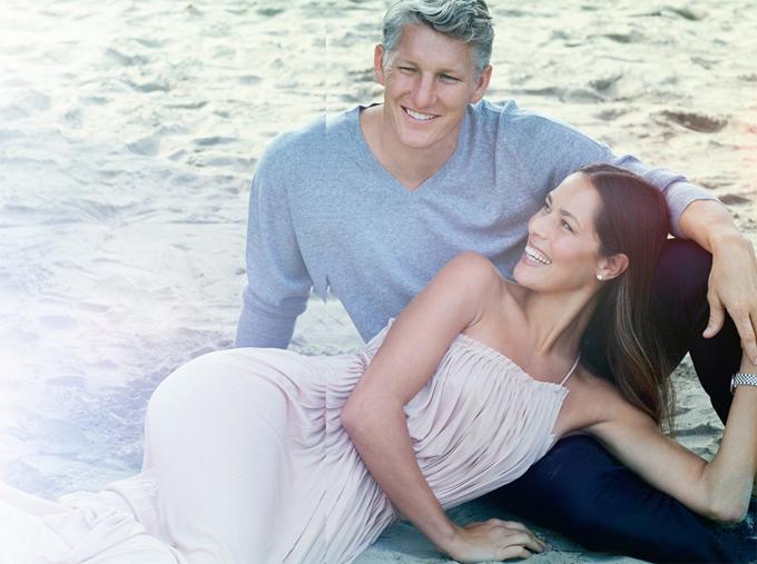 Vợ chồng Schweinsteiger - Ivanovic có thêm thành viên nhísau khi con trai đầu lòng vừa tròn một tuổi. Ảnh: Instagram.