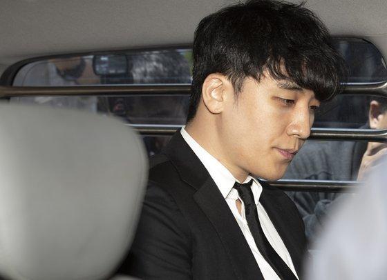 Seungri vẫn chưa bị bắt dù dính nhiều tội.
