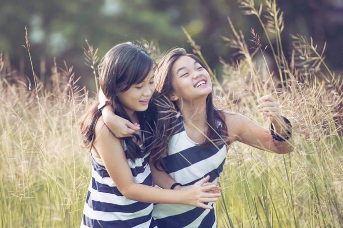 Ca sĩ Mỹ Lệ có hai con gái đầu lòng: Misa (trái - sinh năm 2005) và Misu (phải - sinh năm 2006).