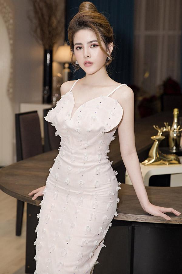 Diễn viên Ngọc Trinh mừng con gái Hữu Tiến đăng quang Á hậu - 7