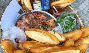 Bánh mì bột lọc vừa giòn vừa dai ở Đà Nẵng
