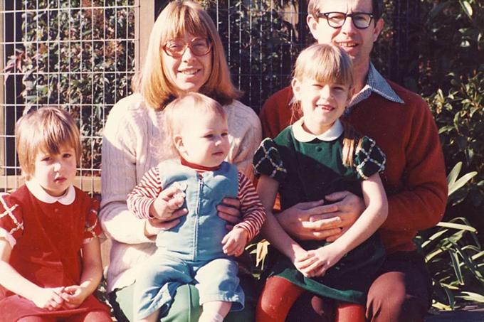 Gia đìnhWojcicki, ba con gái từ trái qua: Janet, Anne và Susan.