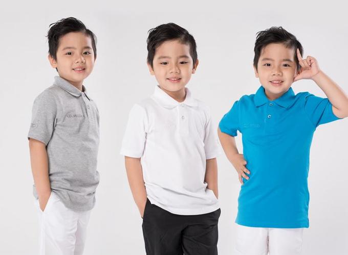 Áo thun trẻ em Polo thương hiệu Jartazi nhiều màu (xám, trắng, xanh biển) giá 343.000 đồng (giá gốc 490.000 đồng).