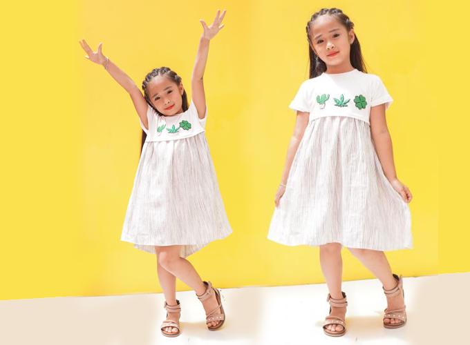 Đầm xòe bé gái Ugether phối thân đắp họa tiết UKID185 giá 265.000 đồng.