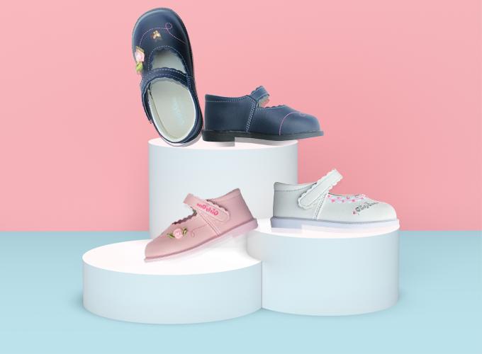 Giày thời trang bé gái mã SS0842 màu xanh đen, hồng nhạt, màu trắng từ thương hiệu HELLO B&B, chất liệu da mềm giá 349.000 đồng.
