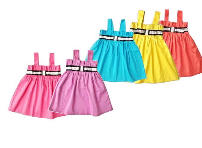 Váy Vinakids hai dây dành cho bé gái từ 1-6 tuổi gồm 5 màu, giá ưu đãi 79.000 đồng dịp 1/6 trên Shop VnExpress.