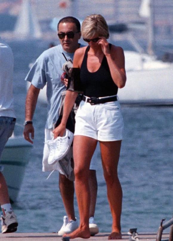 Diana và người tình Dodi Fayed vào mùa hè trước khi xảy ra tai nạn. Ảnh: UK Press.